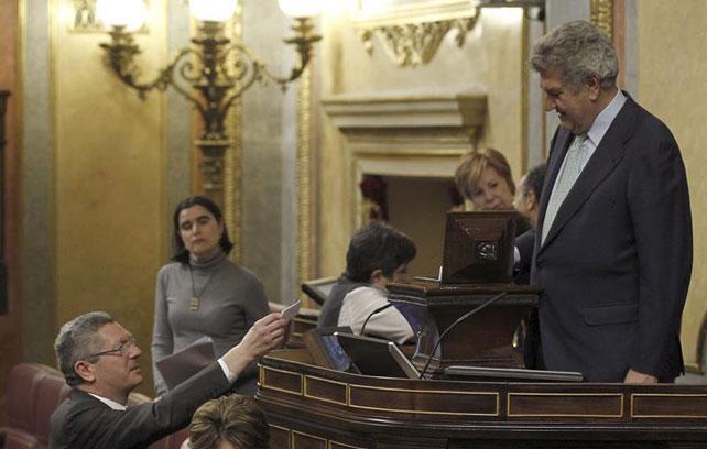 Alberto Ruíz-Gallardón durante la votación para retir el anteproyecto para la reforma de la legislación sobre la interrupción voluntaria del embarazo.