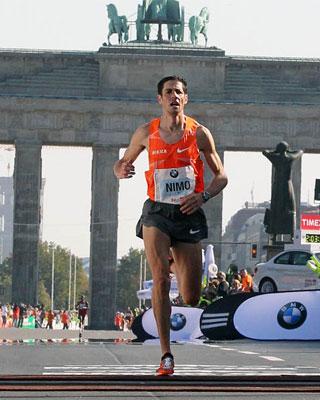 Pedro Nimo en el maratón de Berlín.