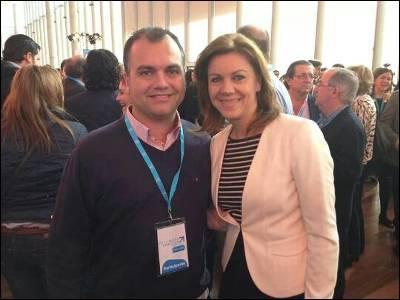 El concejal Andrés Martínez con María Dolores de Cospedal en la Convención Nacional del PP en Valladolid. PÚBLICO