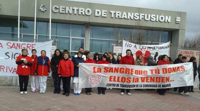 Encierro de trabajadores del Centro de Transfusión de la Comunidad de Madrid.