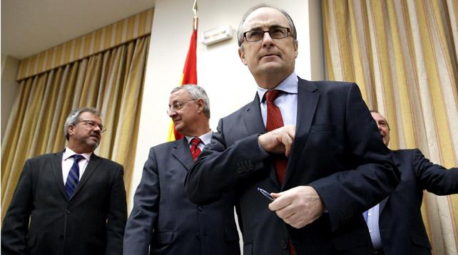 El subgobernador del Banco de España, Fernando Restoy, antes de iniciar su comparencia en el Congreso de los diputados.