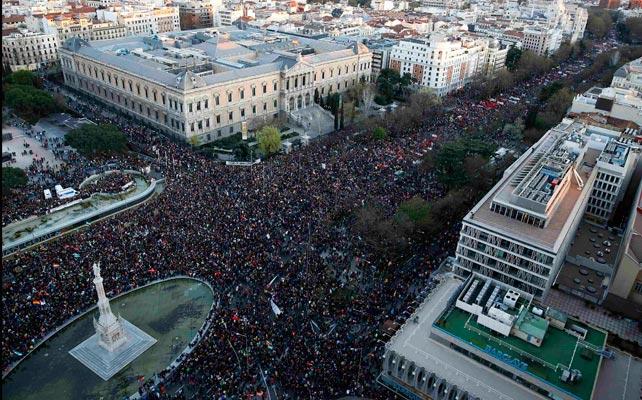 Centenares de miles de personas llenan Madrid.