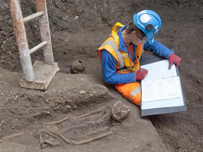Hallan las tumbas perdidas de la gran peste negra de Londres 1396199616141londresdn