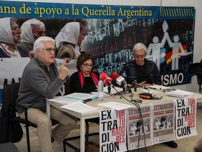 Ana Messutti, Chato Galante y Josu Ibargutxi durante la rueda de prensa.