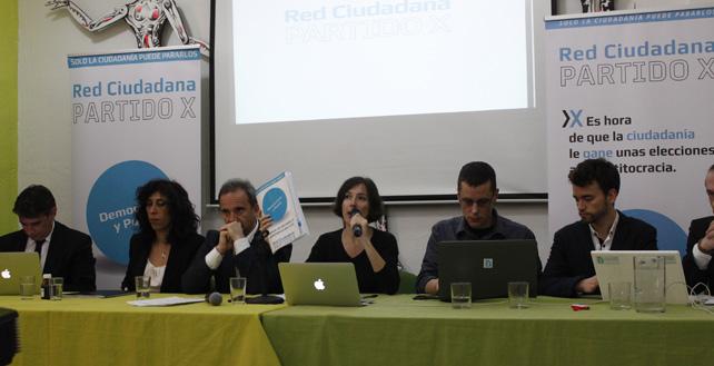 Seis de los candidatos del Partido X a las europeas durante la presentación de la lista definitiva.