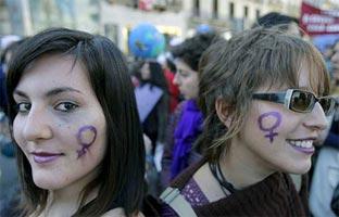 El empleo precario y la reforma del aborto, los dos frentes del 8-M