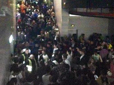 Foto de archivo de uno de los vomitorios del Madrid Arena, totalmente colapsado. EFE