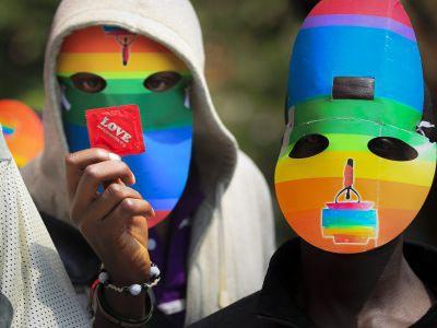 Activistas africanos protestan por las leyes antigay.