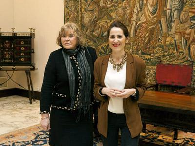 La jueza argentina María Servini a su llegada hoy a la sede del Parlamento Vasco en Vitoria, donde se ha reunido con la presidenta de la Cámara, Bakartxo Tejería