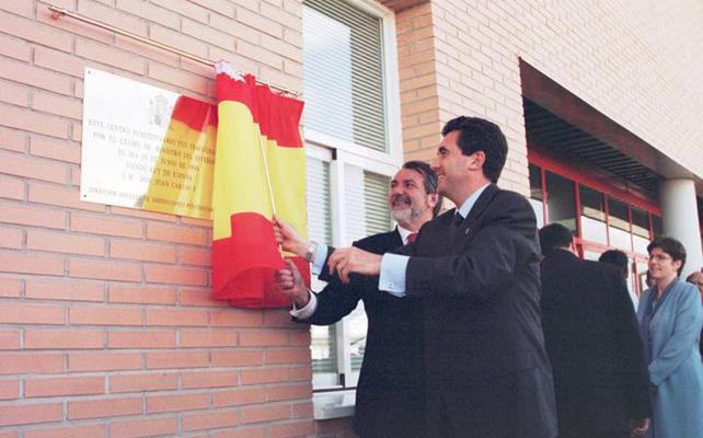 Jaume Matas inaugurando la cárcel de Palma, en la que ingresará en los próximos días.