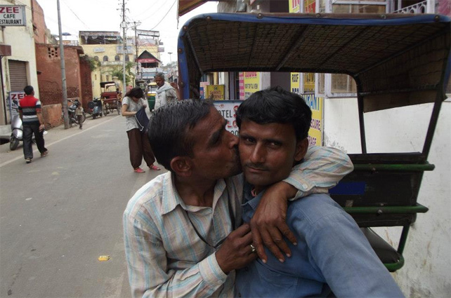 Dos hombres en Agra, en el estado de Uttar Pradesh (India). P. L.