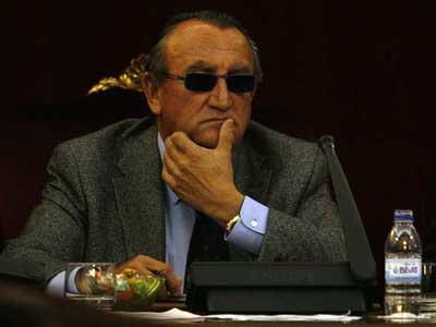 Carlos Fabra, en un Pleno de la Diputación de Castellón.IÑAKI GARCÍA