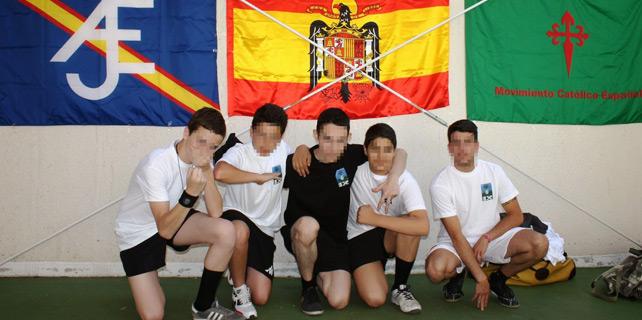 Asistentes al torneo fascista y homofóbico del 28 de junio. Imagen cedida por UGT