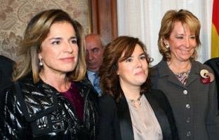 Santamaría se deja querer para desbancar a Botella y desactivar a Aguirre