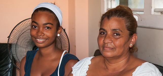 Alda Soria junto a su hija Hilda.