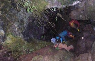 Rescatado el espeleólogo español atrapado en <br>una cueva peruana