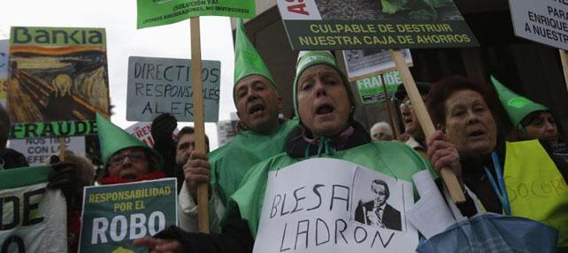 Manifestación de afectados por las preferentes de Bankia.